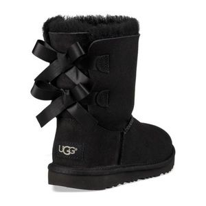 UGG Bailey Bow Boots in Black [6]